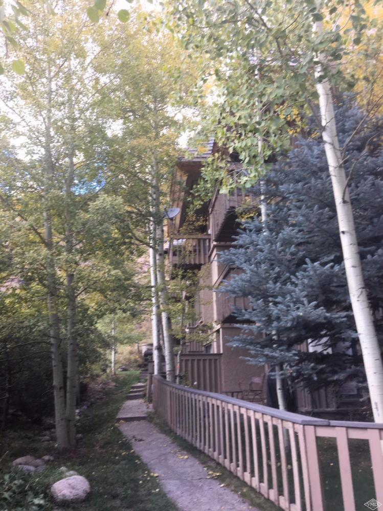 980 Vail View Drive, Unit 211B Vail, CO 81657    MLS# 930568